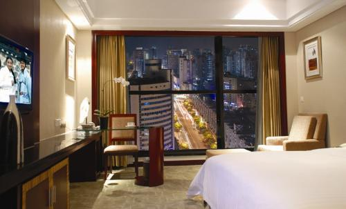 广州大舜丽池国际酒店 night-view business room 锛�king bed锛�